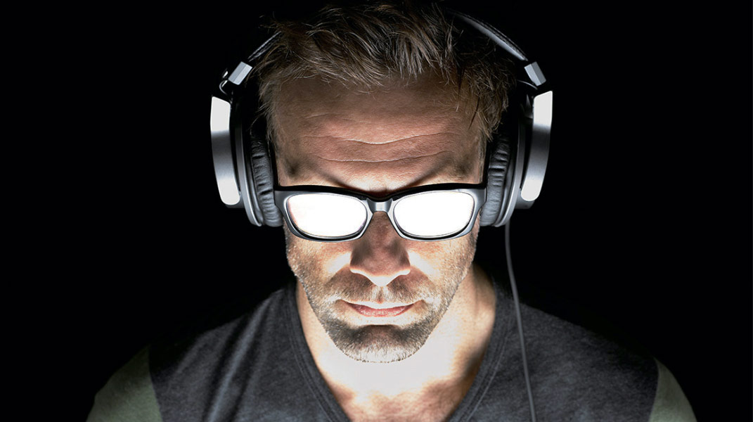 Analog Mixers Showcase Tablet