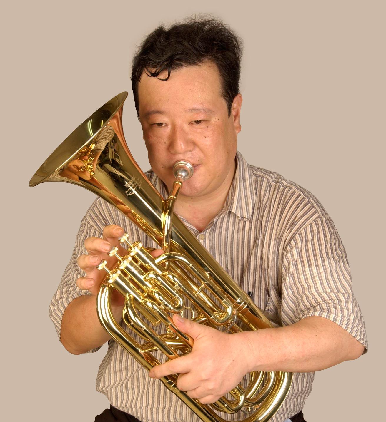 The modern baritone (also called a baritone horn)