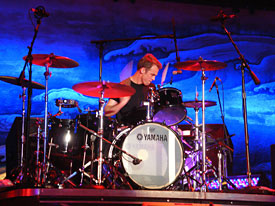 Matt Cameron Plays the Drums